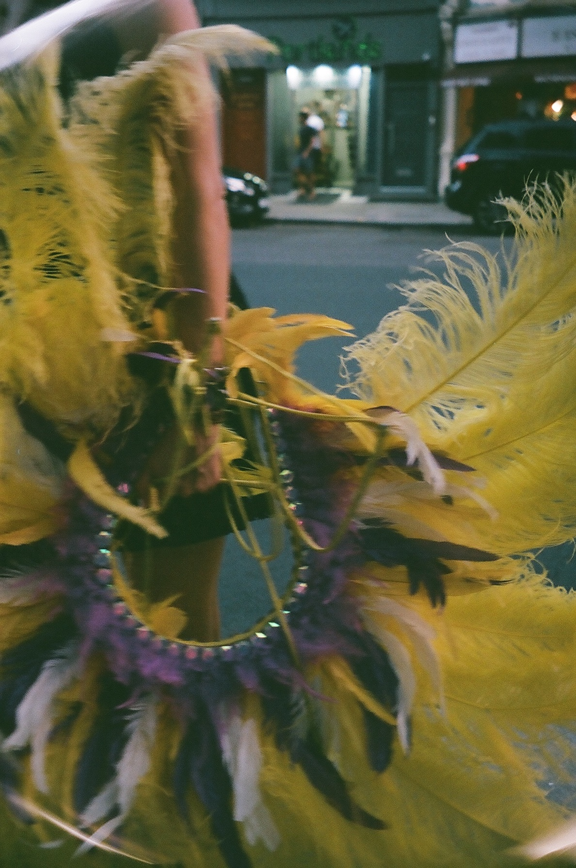 Traces of the Notting Hill Carnival.  / Vestígios do carnaval de Notting Hill.