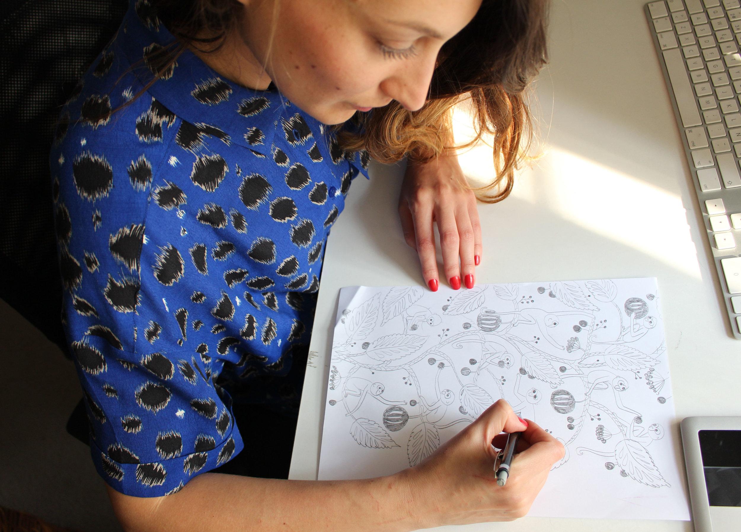 caro dibujando monos 2.jpg