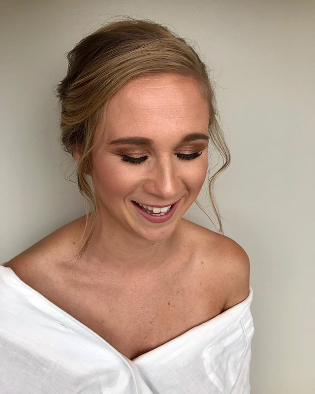 You can't ask for anything more than for a happy & glowing bride! Congratulations Jaclyn from the @sweetlypinnedhairandmakeup team! 💄 💋 👄 Hair by Caralee 💄 💋 👄 #makeup #makeupartist #mua #steamplant #steamplantdayton #sweetlypinnedhairandmakeup #daytonwedding #weddingmakeup #bridalmakeup #bridesmaidmakeup #bridalmakeup #bridalhair #ardell #temptu #mac #cincinnatimakeupartist #columbusmakeupartist #maybelline #coverfx #lauramercier #makeupforever #skindinaviabridalsettingspray #toofaced #ofrahighlighter