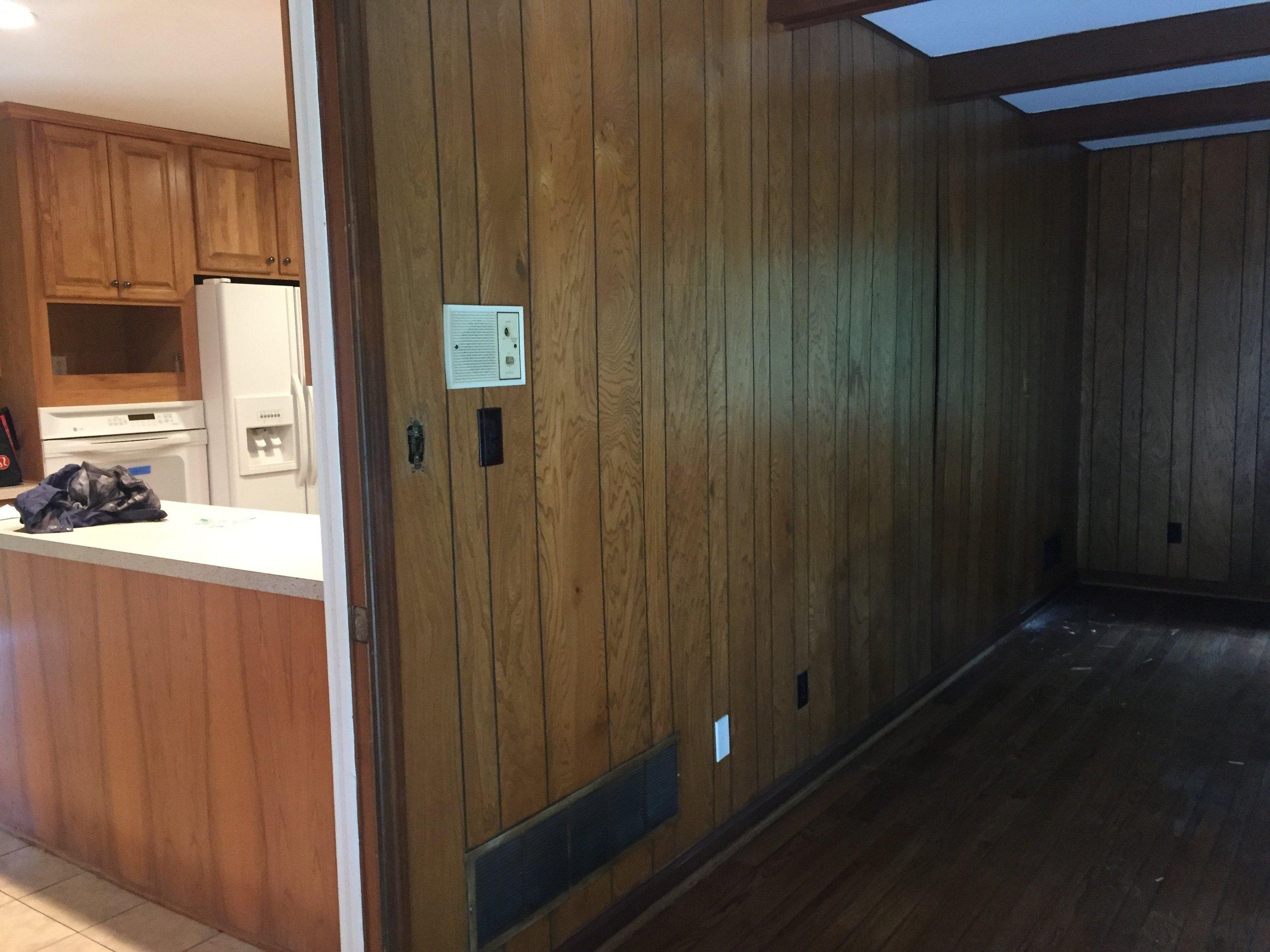 wall between den and kitchen.JPG