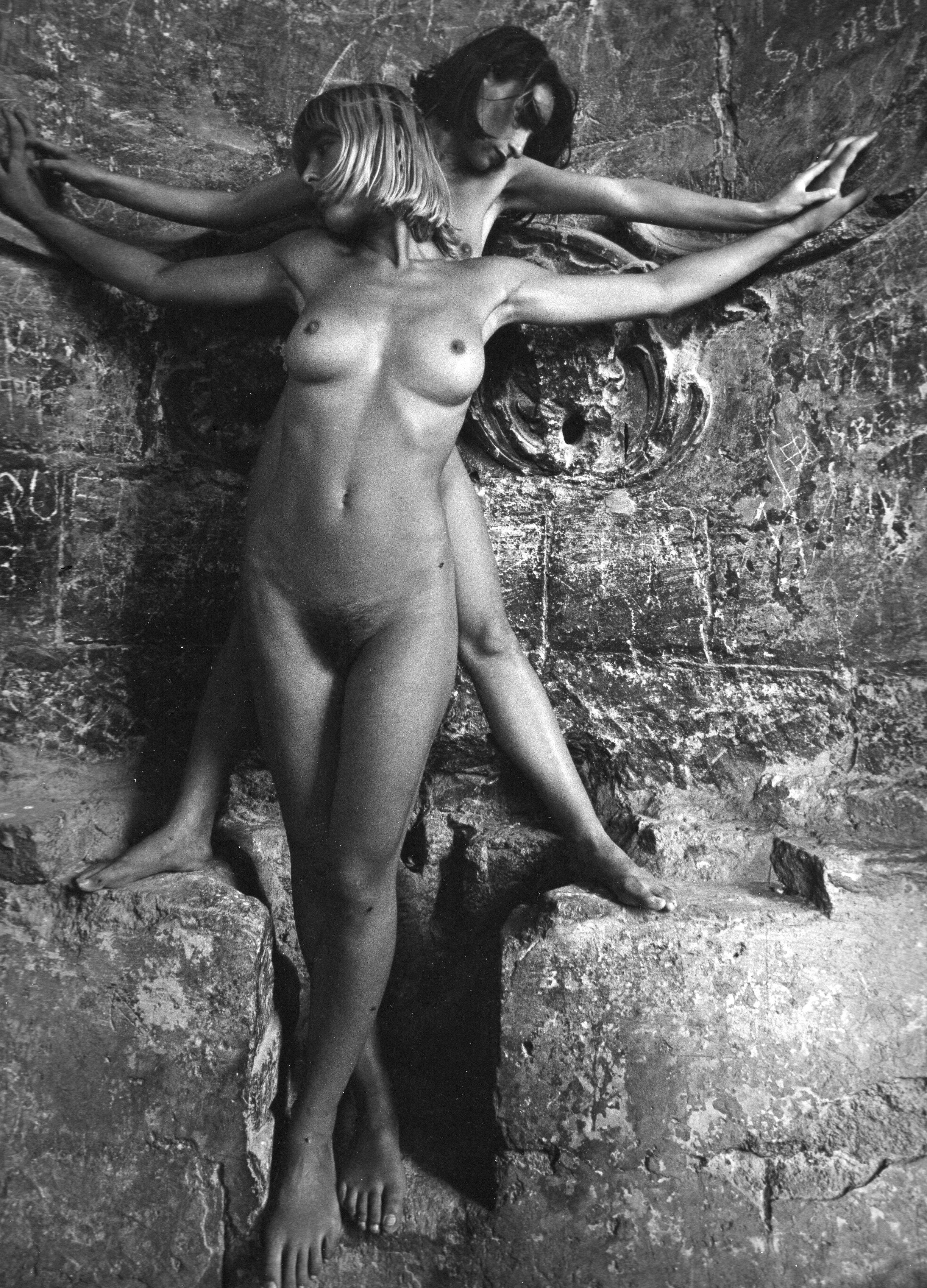 LUCIEN CLERGUE,  Nus a Montmajour,  1981