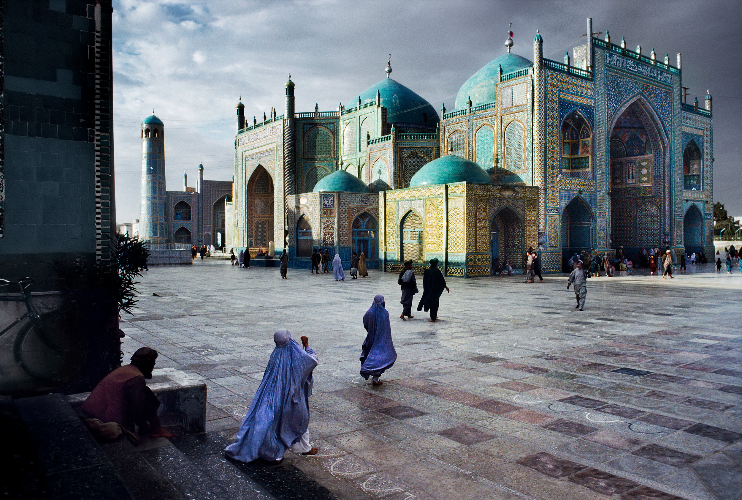 STEVE MCCURRY,  Salat at Blue Mosque in Mazar-E-Sharif , 1992