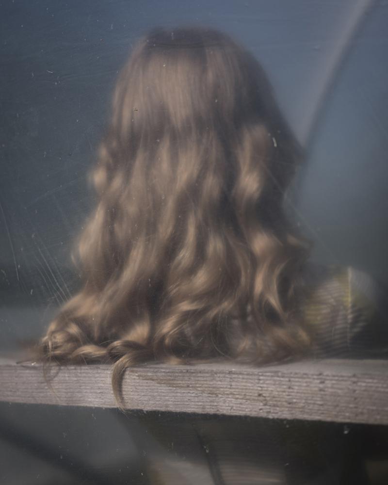CIG HARVEY,  Curl, Touching,  2018