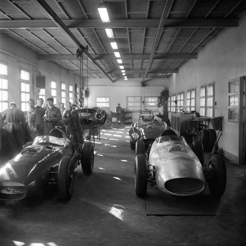FerrariShop1_Fini.jpg