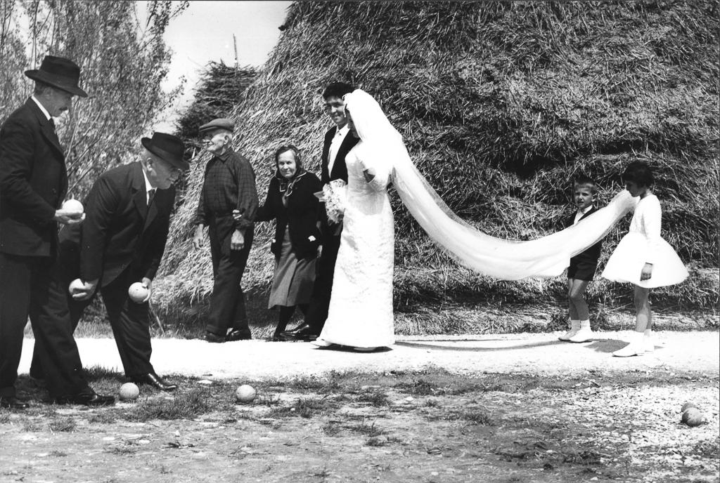 Giacomelli_LaBuonaTerra(WeddingGownandBocce)_1964.jpg
