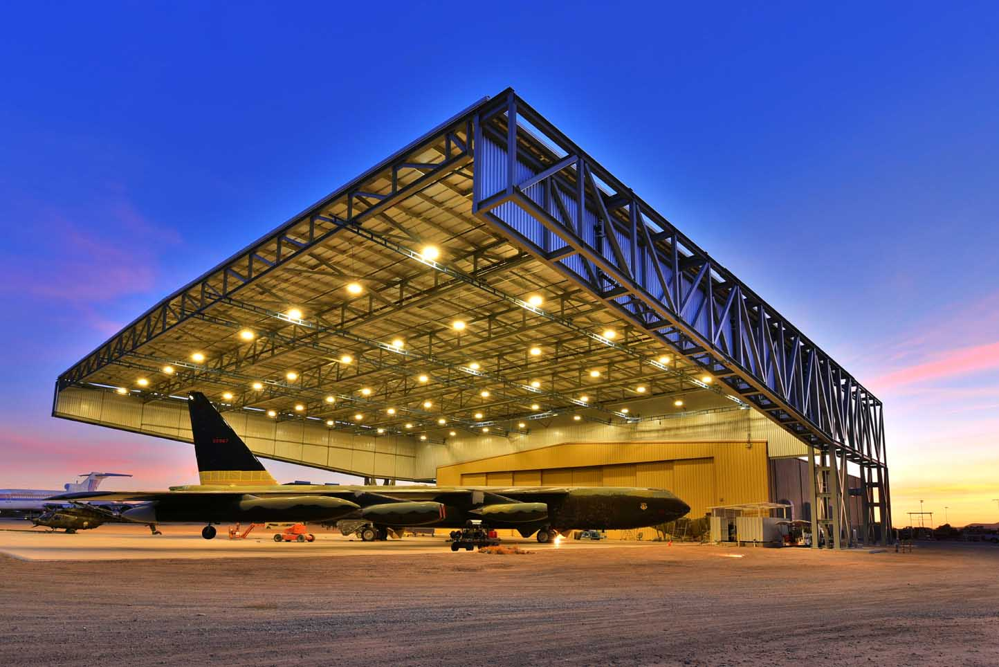 Pima Air and Space Museum General Contractor: Lloyd Construction (Photo courtesy of Lloyd Construction) Electrical
