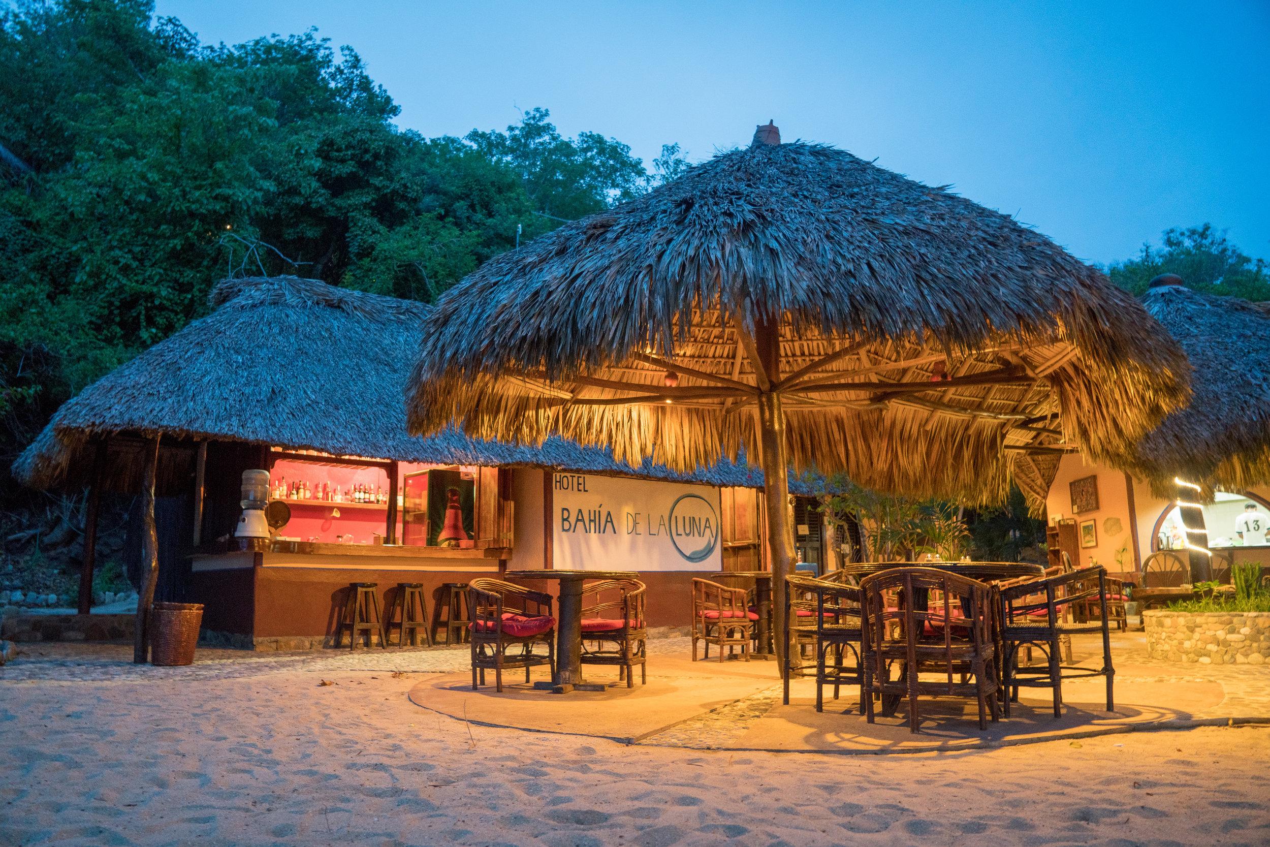Oaxaca Bahia de la Luna bar mezcal