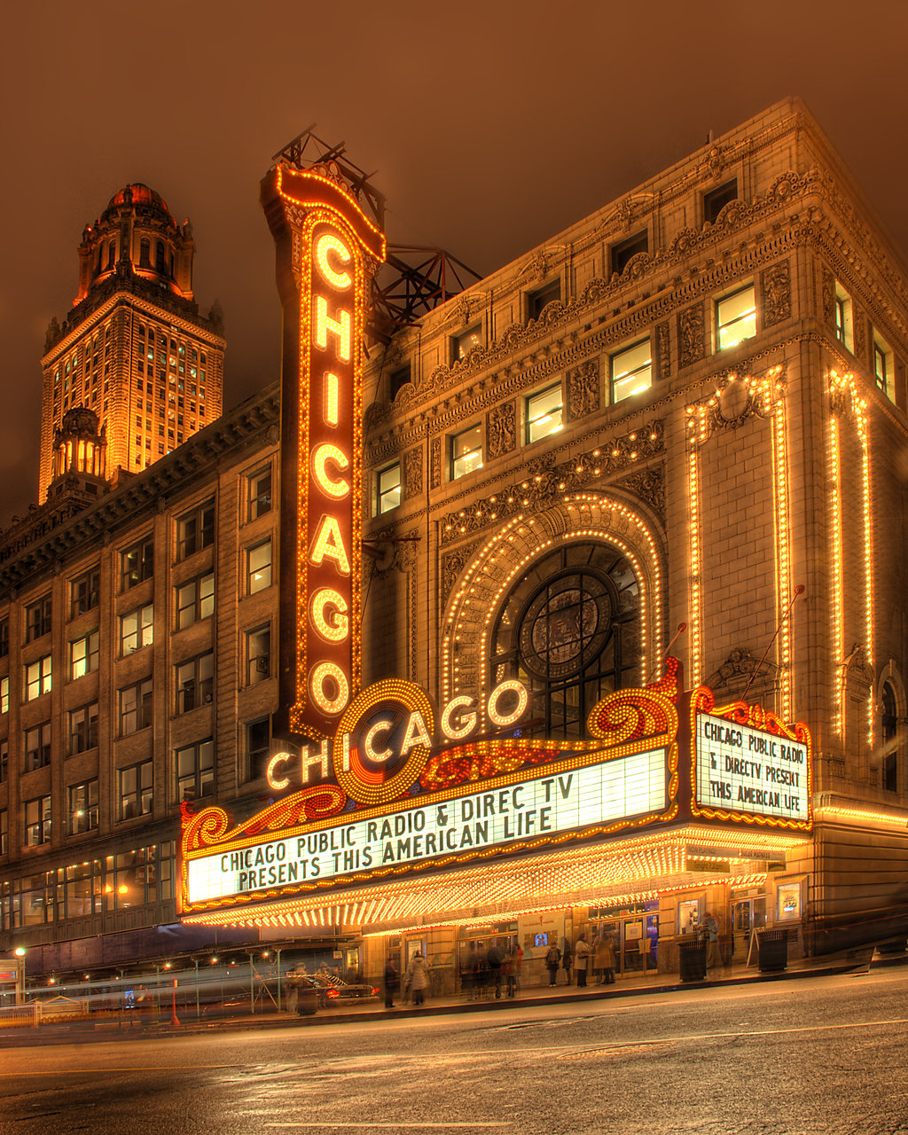 Chicago-Theatre2.jpg