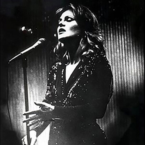 """""""Donna was simply enchanting…fiery and tender  - by turns. Latin, swing, ballads…this gal does it all and has few, if any, peers. She is unquestionably a very great singer… My hat is definitely off!""""- Barbara Lea"""