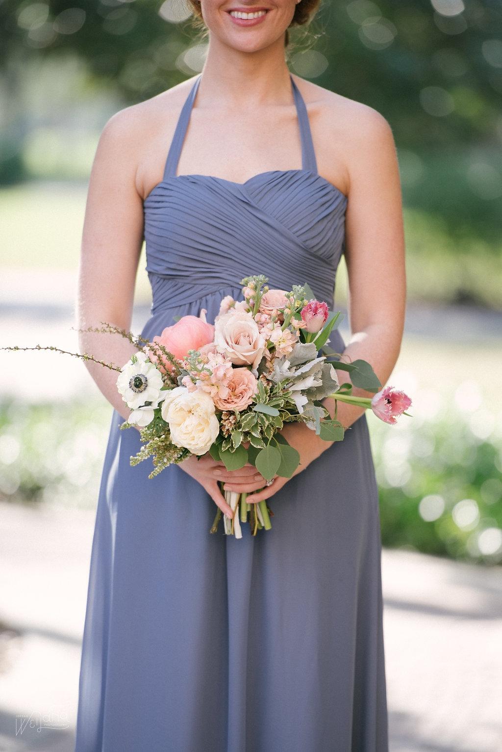 Peach Bridesmaid Bouquet || Lisa Stoner Events || Velvet & Twine || Jordan Weiland Photography