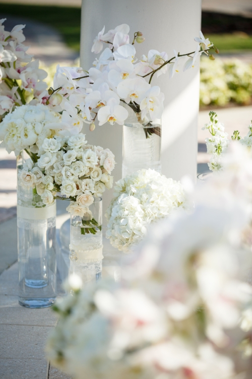 lisa stoner events- orlando luxury weddings- wedding ceremony - white wedding flowers-.jpg
