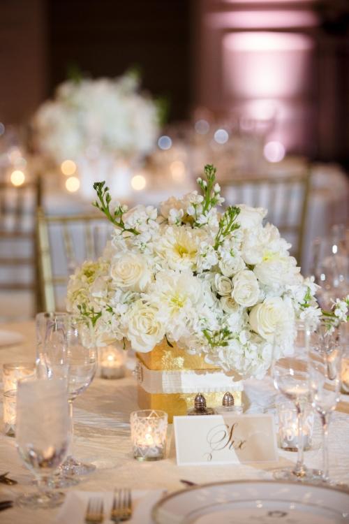 lisa stoner events- central florida wedding planner- orlando luxury weddings- white centerpieces.jpg