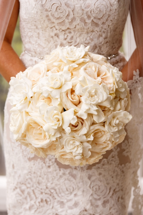 lisa stoner events- luxury orlando weddings- raining roses florist- white wedding bouquet- white rose wedding bouquet- white wedding bouquet with gardenias.jpg