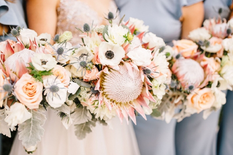 lisa stoner weddings planner - orlando luxury wedding planner - isleworth country club wedding - unique bridal bouquet - textured bridal bouquet - orlando chic wedding planner.jpg