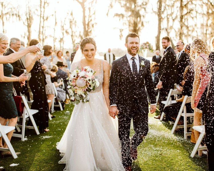 lisa stoner weddings- isleworth wedding- windermere outdoor wedding- wedding confetti toss- florida outdoor wedding ceremony - isleworth outdoor wedding.jpg