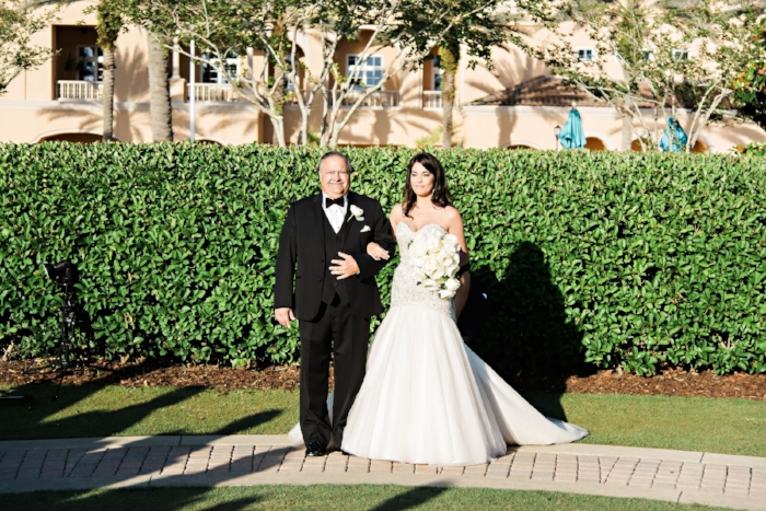 lisa stoner weddings- bride- white cottage rose bouquet- sparkly wedding gown - ball gown with sparkles - wedding gown with sweetheart neckline.jpg