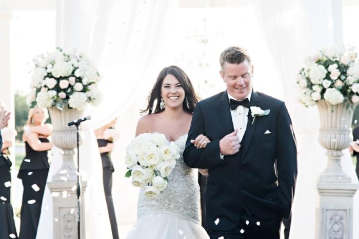 lisa stoner events- outdoor orlando wedding ceremony - ritz carlton orlando outdoor wedding- luxury wedding planner in orlando- confetti for a wedding.jpg