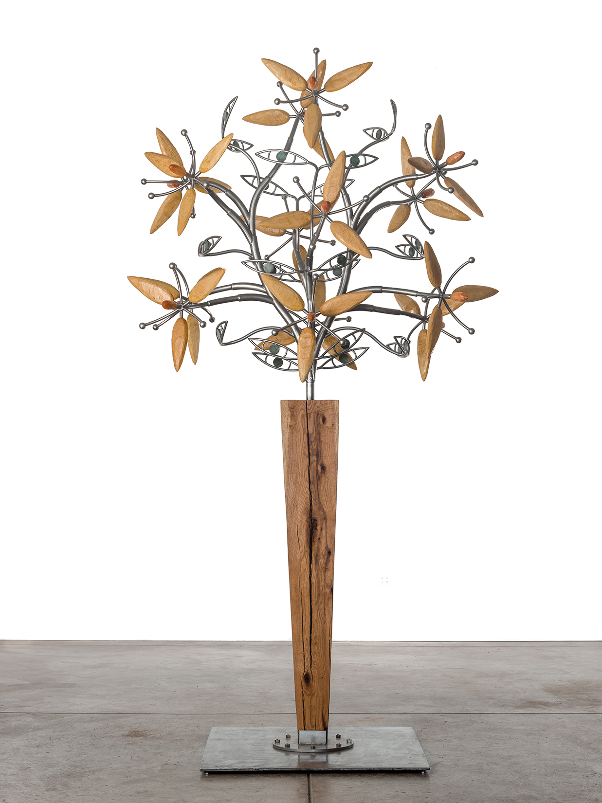 Standing Oak Vase with 14 Flowers, 2016