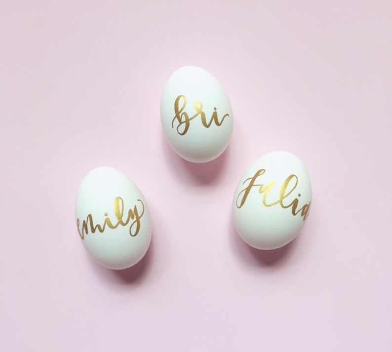 Hosting an Easter Brunch? Why not use eggs as place cards? Just grab a paint pen and get to writing! P.S. this idea only came about after a failed attempt to paint eggs with acrylic paint. Woops. Note-to-self: acrylic paint does not dry on eggs.
