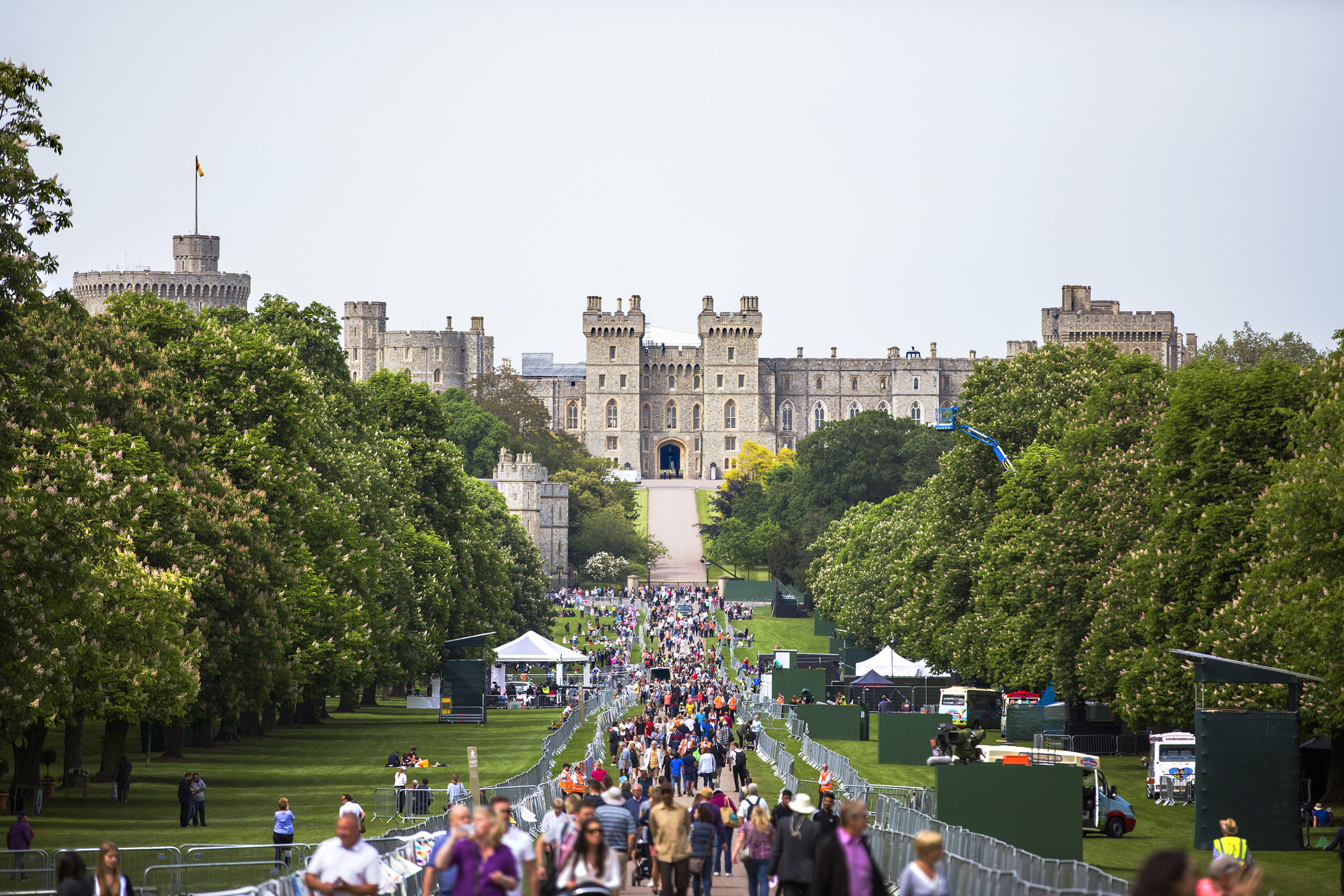 For nearly a thousand years Windsor has been home to the Kings and Queens of England. Much loved by the present Queen, Windsor Castle is known worldwide for the Royal splendor and fairy tale like scenes that are so British.