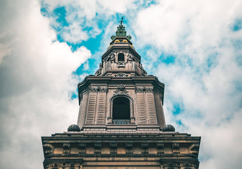 Christiansborg-copenhagenjpg.jpg