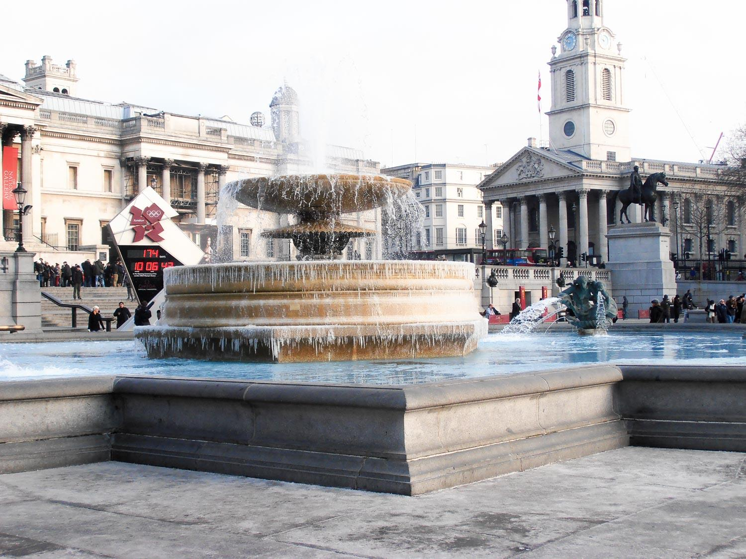 2db5d072-2dde-409c-9deb-68cd937ad5a5-129052d7-872f-41c4-b25a-ff62bcbd647f-tour_photos-Trafalgar-Square-in-a-very-cold-morning-04.02.12.jpg