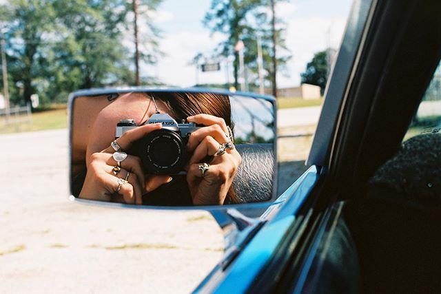 📸📸 #cassidychreenephoto #olympusomg #ektar100 #filmphotographyproject #filmisnotdead #filmphotographer #sheshootsfilm #reflection #mirrorphotography #rearviewmirrorphotography #71mustang #mustang #fordmustang #ford