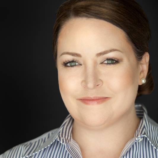 Lauren Hasson    Founder of DevelopHer