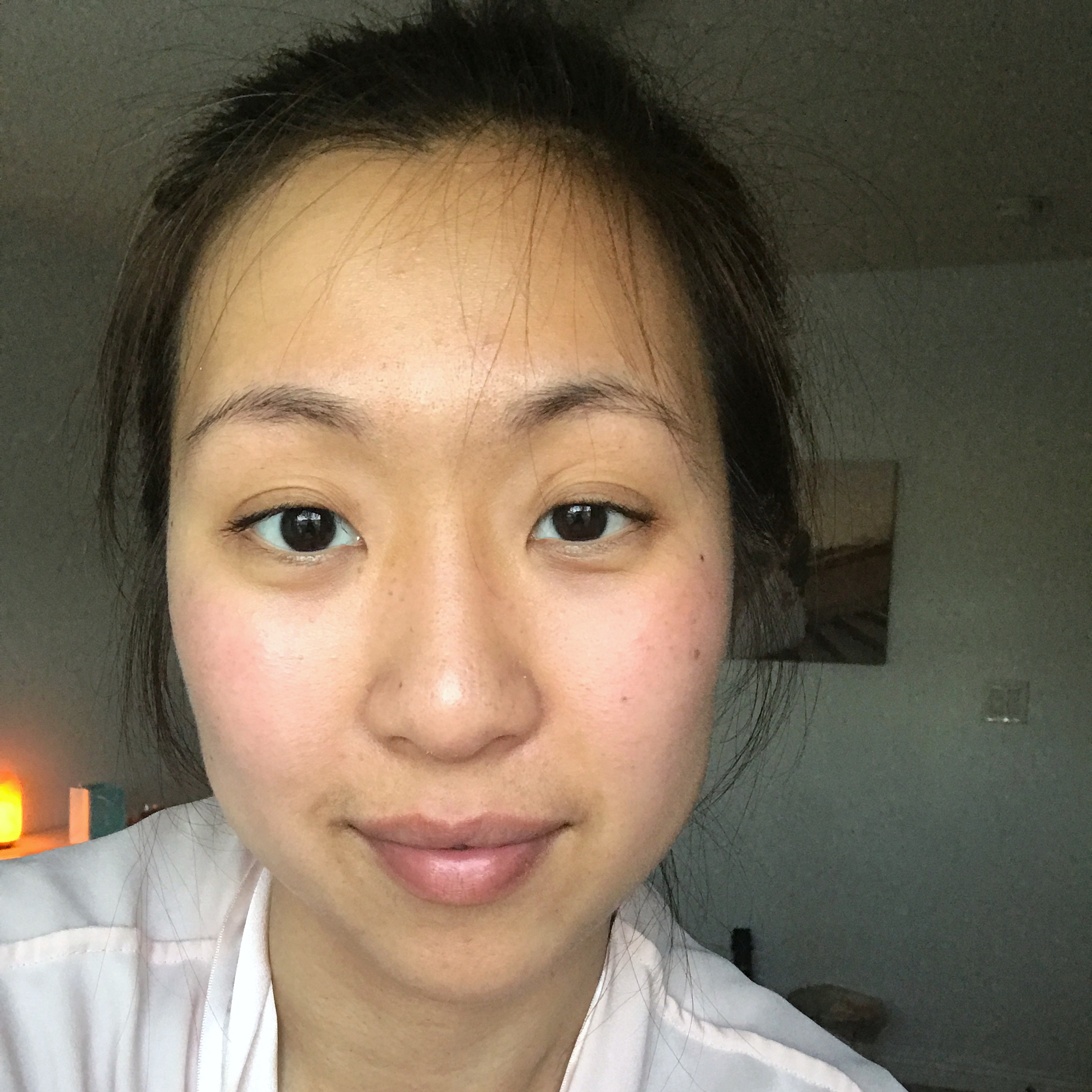1 hour later after applying my serum and lotion. I caught the last bit of light before sunset in this photo.