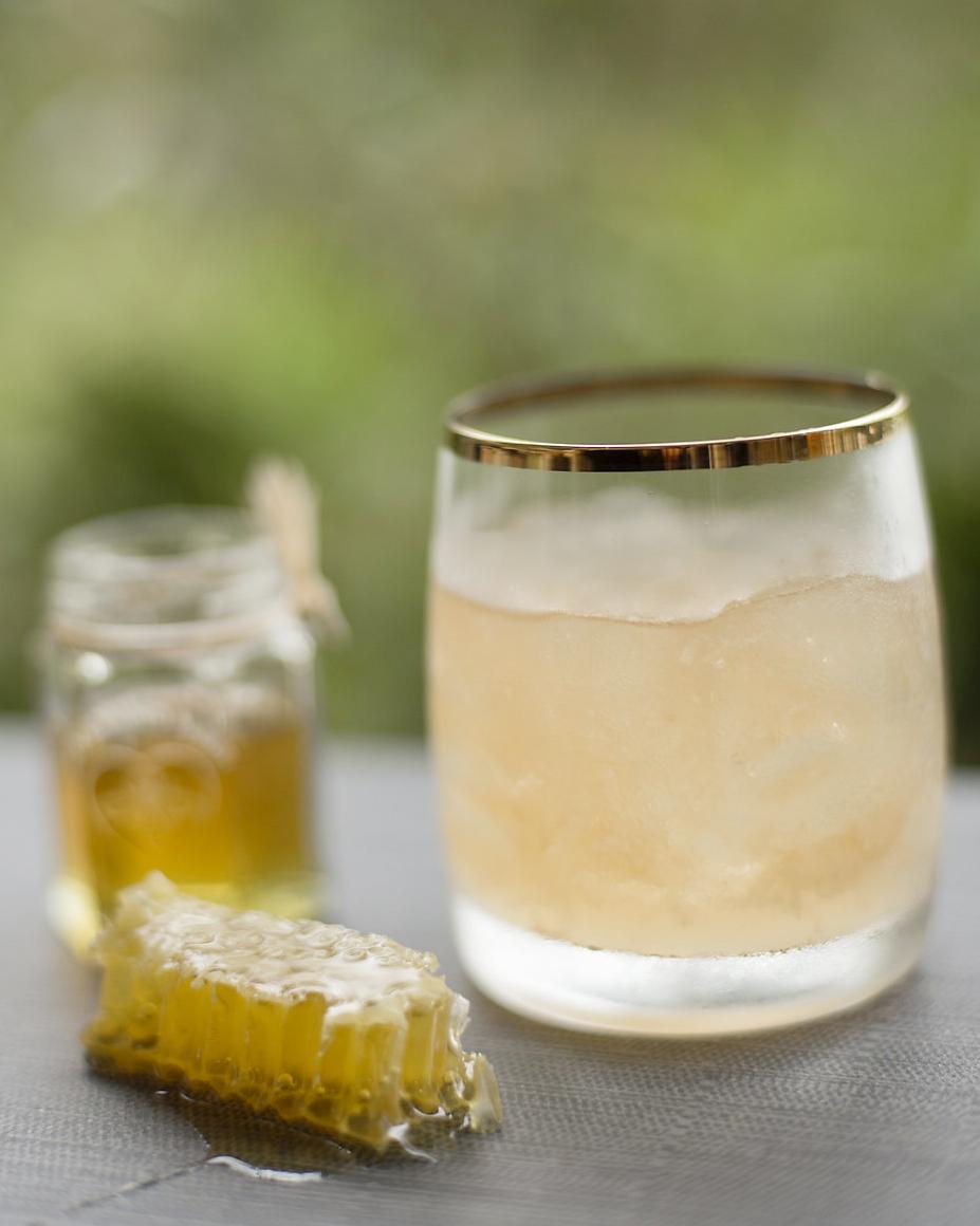 HONEY BADGER   fresh pressed lemon, honeycomb, black walnut bitters, house lemon soda, scotch