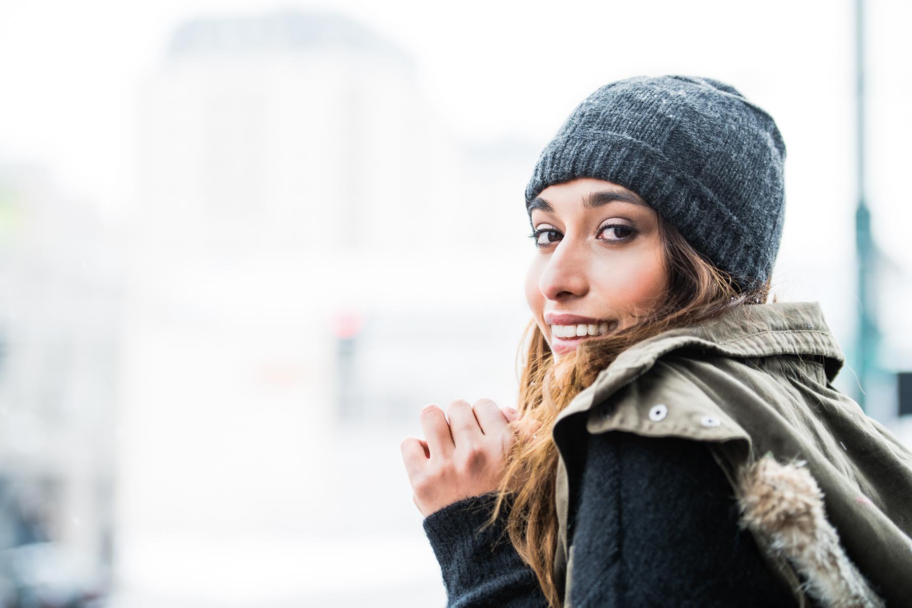 002-Women-Winter-Hat-Outdoor-Photo.jpg