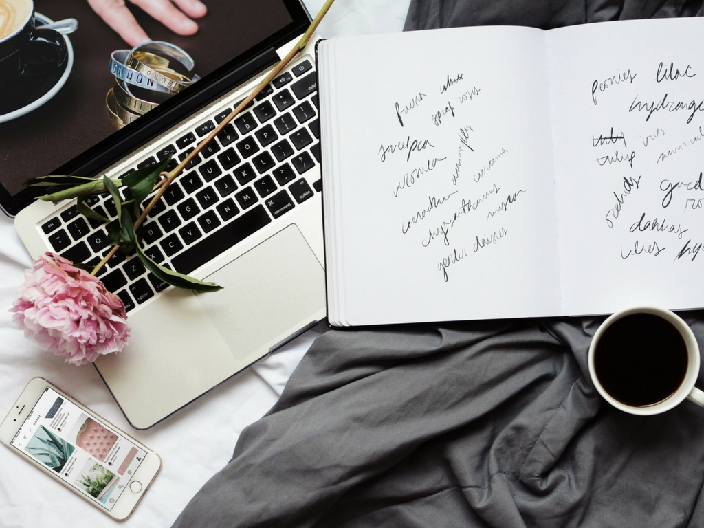 How to create consistency with your brand's visual content | Lady and Company Creative | Branding Coach and Strategist