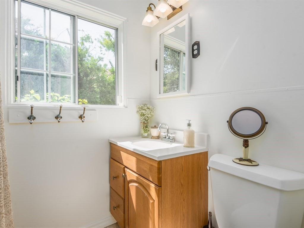 012_12-Bathroom 1.jpg