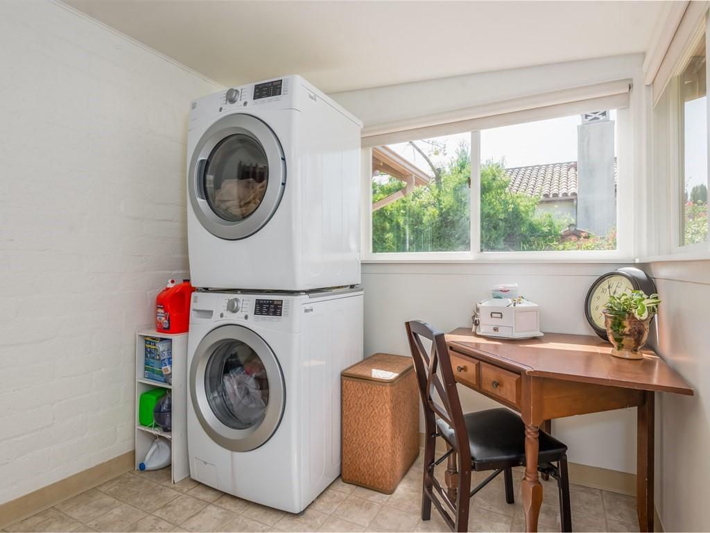 016_16-Laundry.jpg