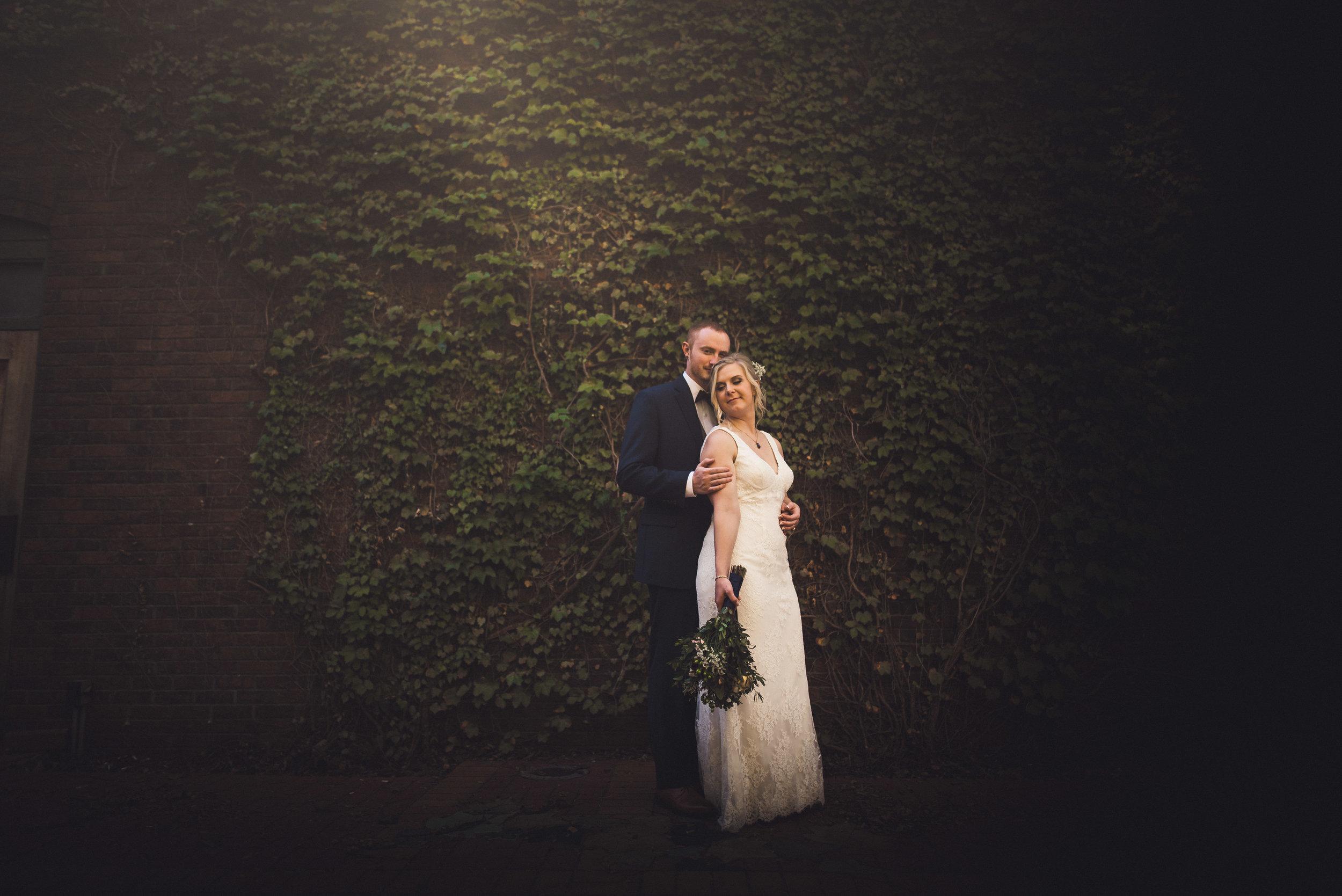 2star_des-moines-wedding-c-e -20.jpg