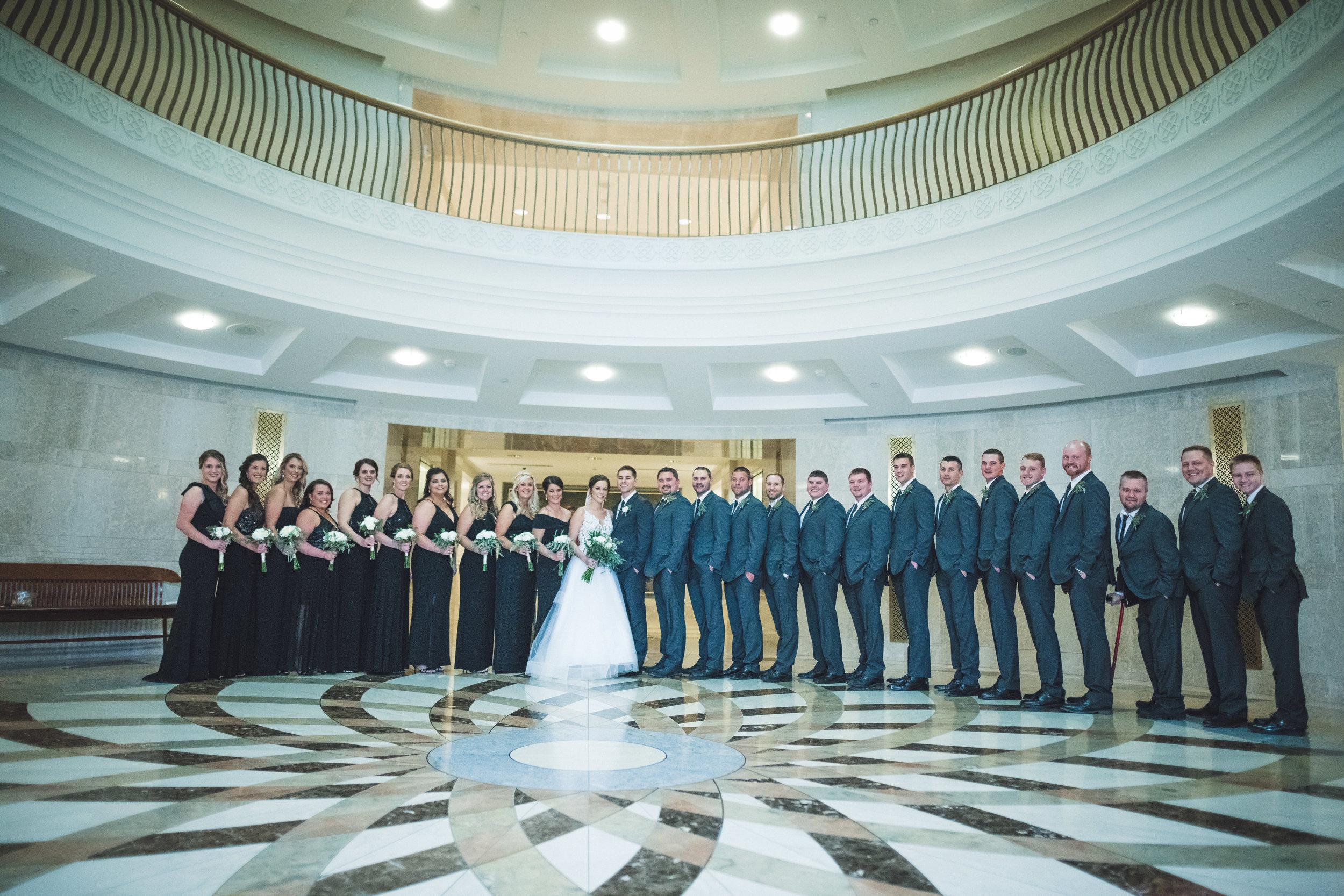 2star_des-moines-wedding-sadie-derek-26.jpg