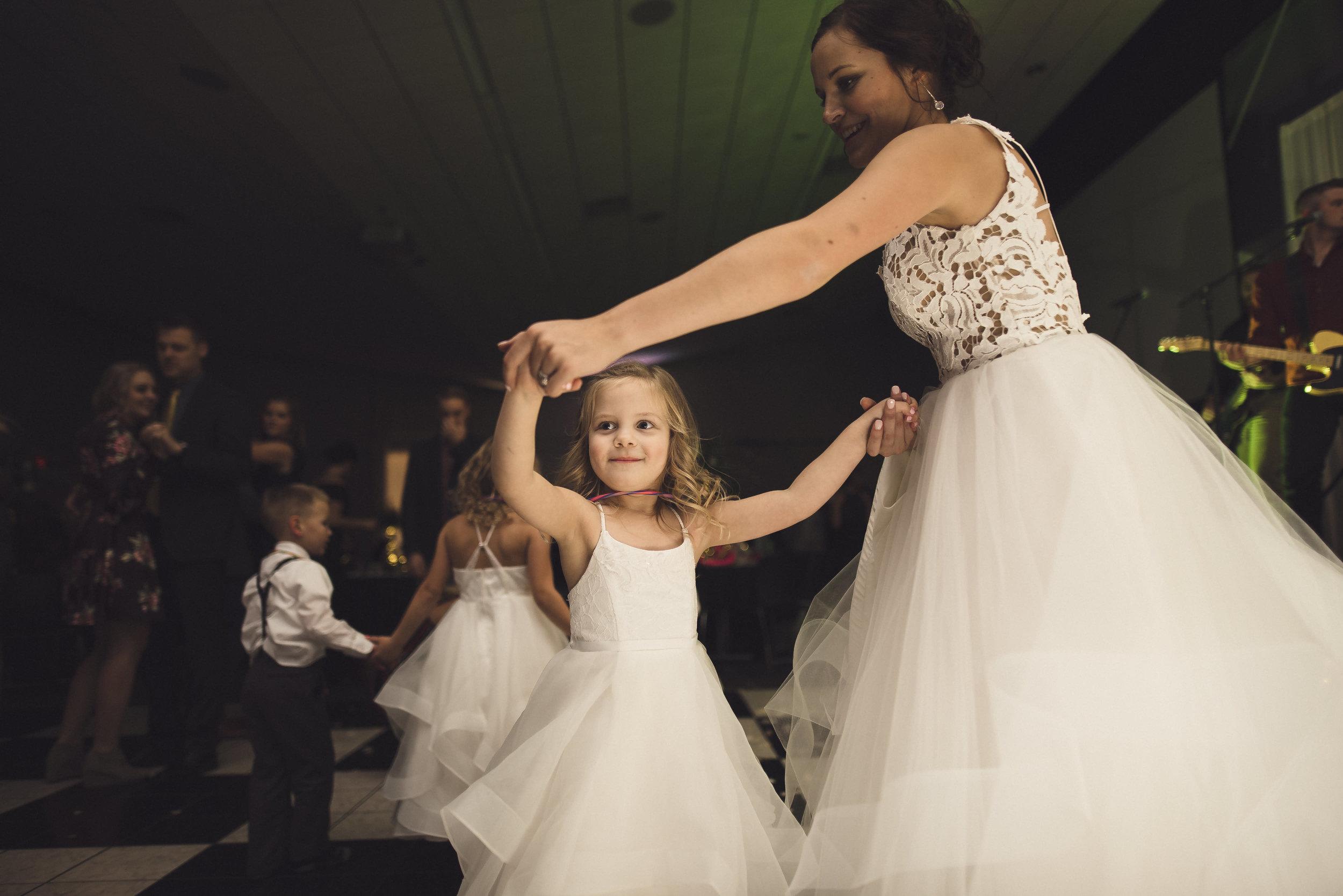 des_moines_wedding_sadie_derek_789.jpg