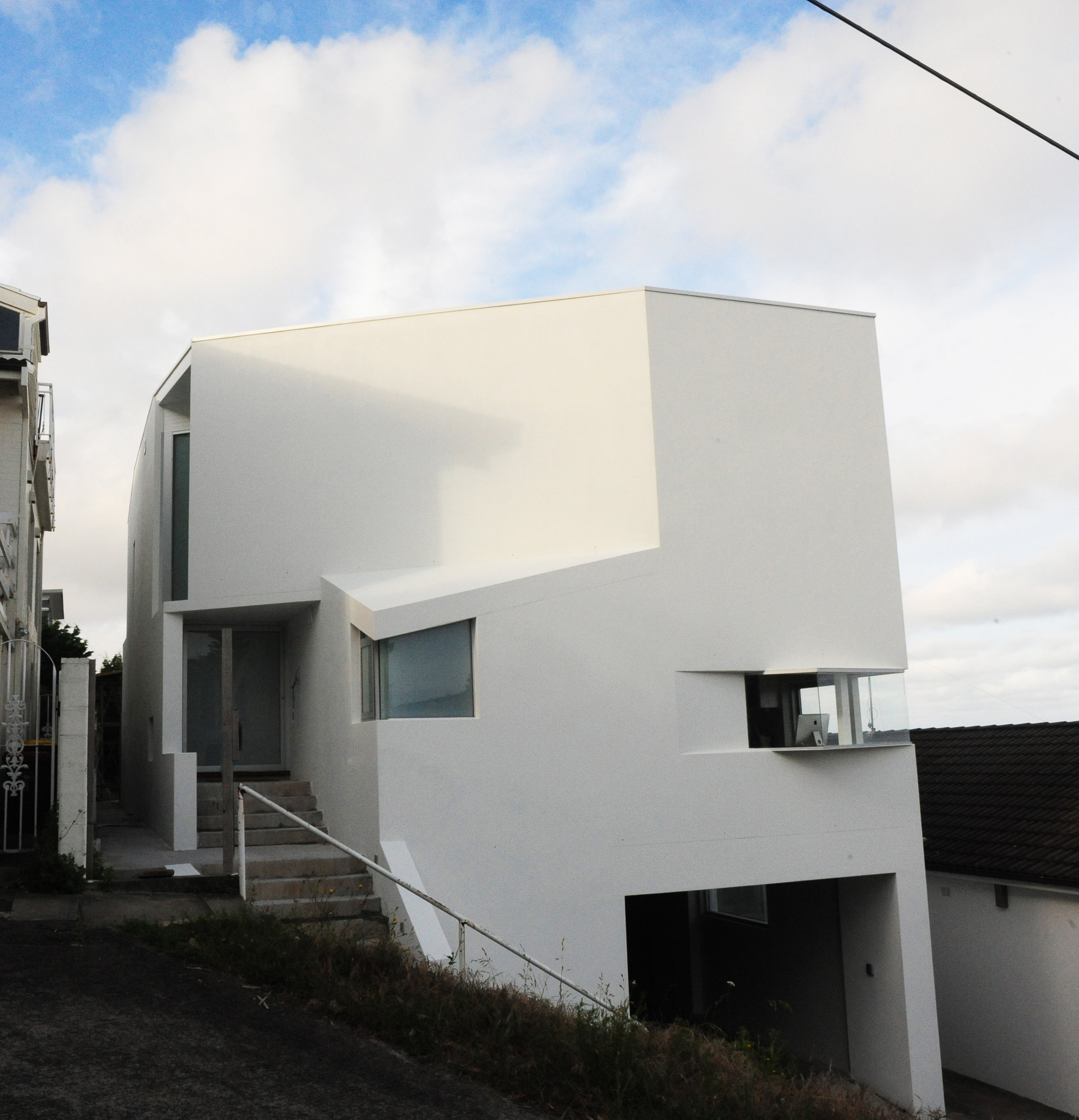 House at Coogee_street view_2_cropped.jpg