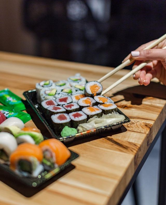I'm on a seafood diet. I see food and I eat it 🍣 Fresh hand-rolled sushi every day at @little_sushi_shop here at #DistrictKitchenJC ⁣ .⁣ .⁣ .⁣ .⁣ .⁣ #JerseyCity #jerseycityeats #jceats #Jersey #JerseyCityNJ #jcliving #jcmakeityours #harborsideJC #JerseyEats #buzzfeedfood #spoonfeed #eeeeeats #food #seriouseats #foodie #getinmybelly #eater #eatingjc #JCEats #foodphotography⁣