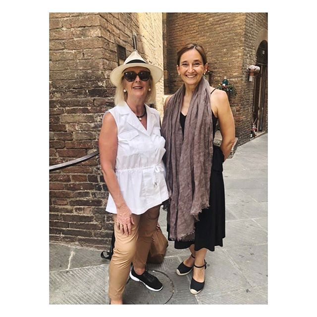 Exploring Sienna's charming architecture & history with our lovely guide Alessia. A private guide is just like having a local friend to show you around & enriches the experience of the city you're in 🏛  #TransWorldTravel #travelagents #luxurytravel #boutiquetravel #DuomodiSienna #Sienna #Italy #Europe #europeansummer #privateguide #enrichedtravel