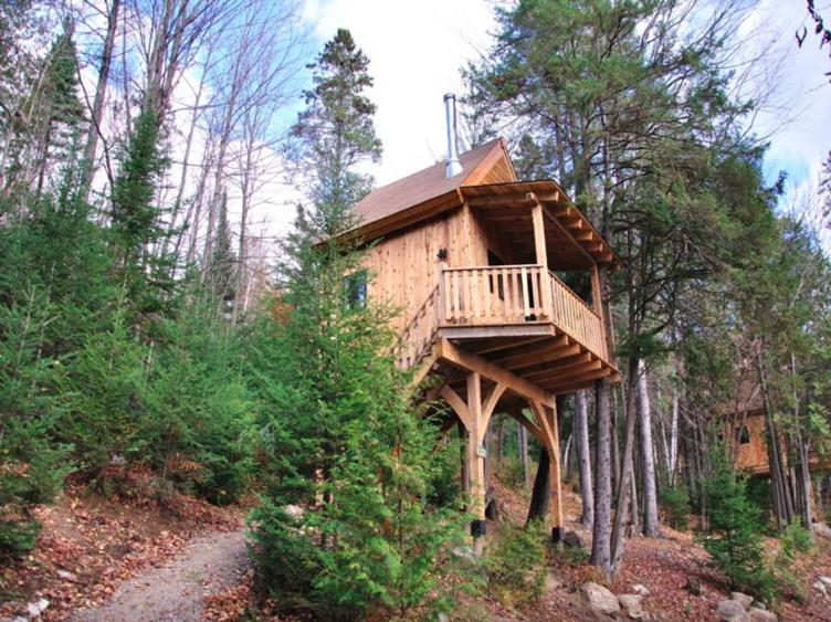 Airbnb | Christian