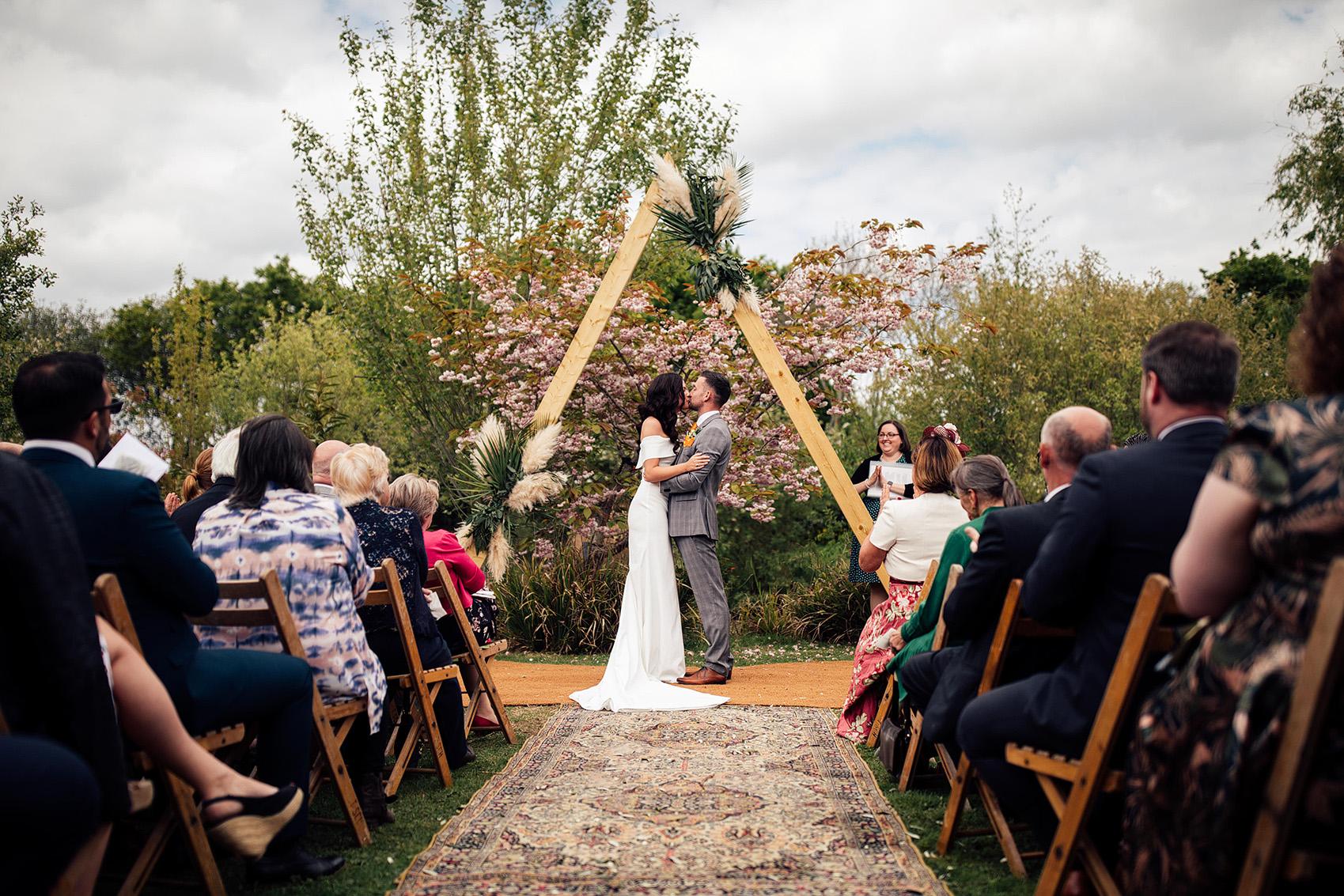 english-garden-wedding0004.JPG