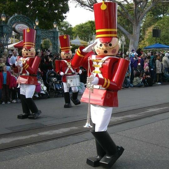 Herald trumpet with the Toy Soldiers of Disneyland