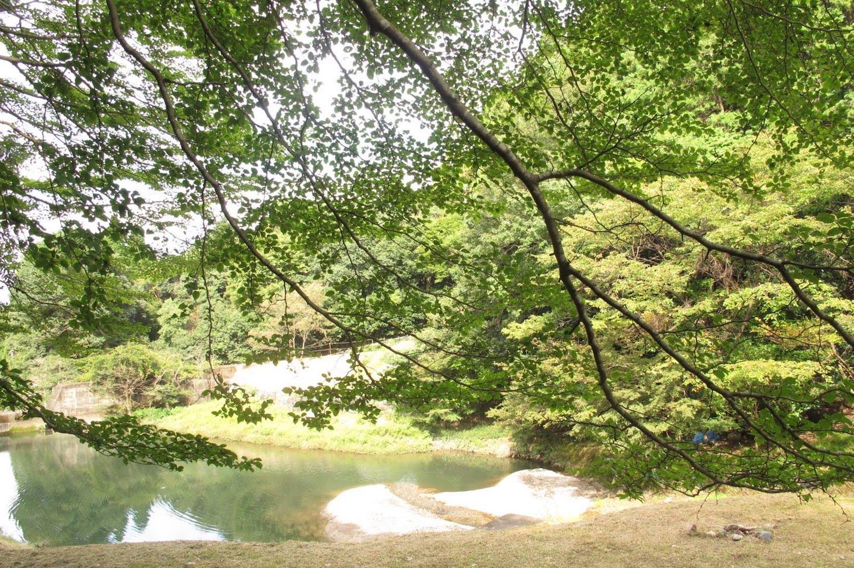 retreat-lake2.jpg
