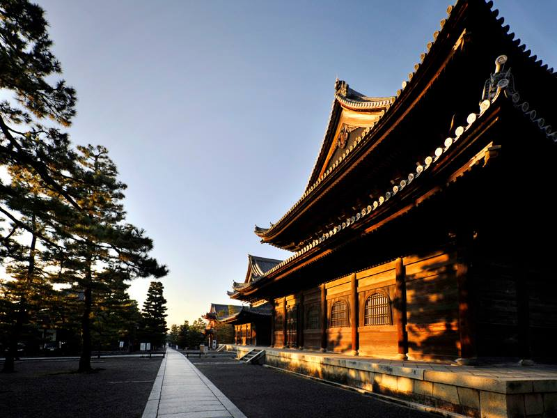 Myoshin-ji, access from South Main Gate