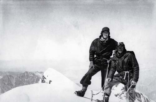 Sir-Edmund-Hillary-and-Tenzing-Norgay.jpg