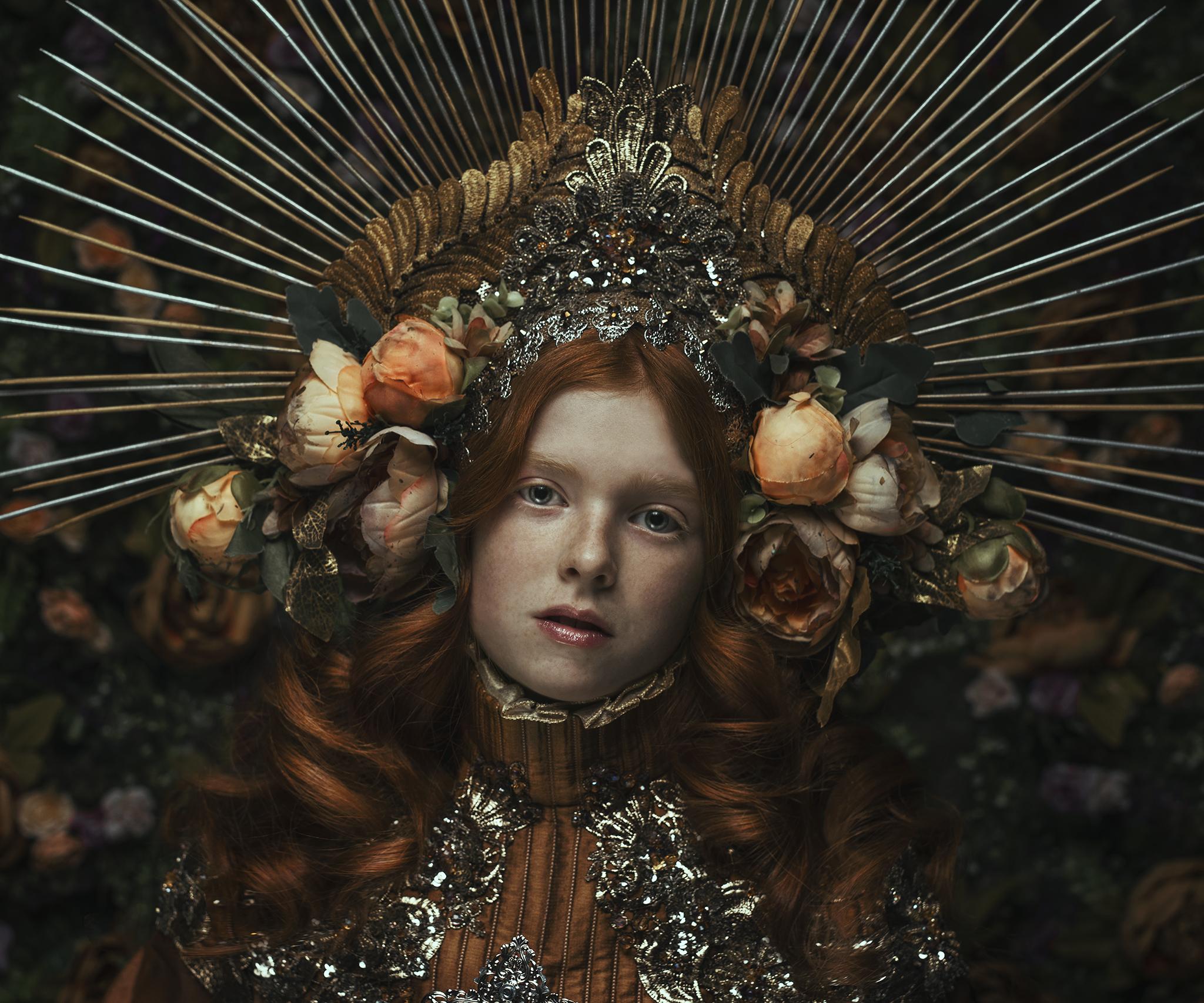 0340_fineart-gloria-girl-young-halo-morkcollective-mikaelaholmberg-mirjamlehtonen-conceptualphotography-costumedesign-crystalchild.jpg