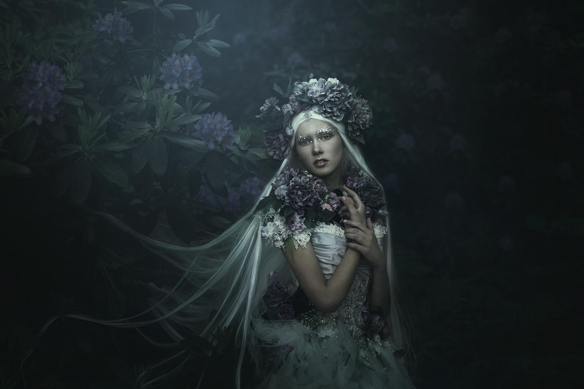 0090-mikaelaholmberg-fineart-morkcollective-mirjamlehtonen-costumeart-fairytale.jpg