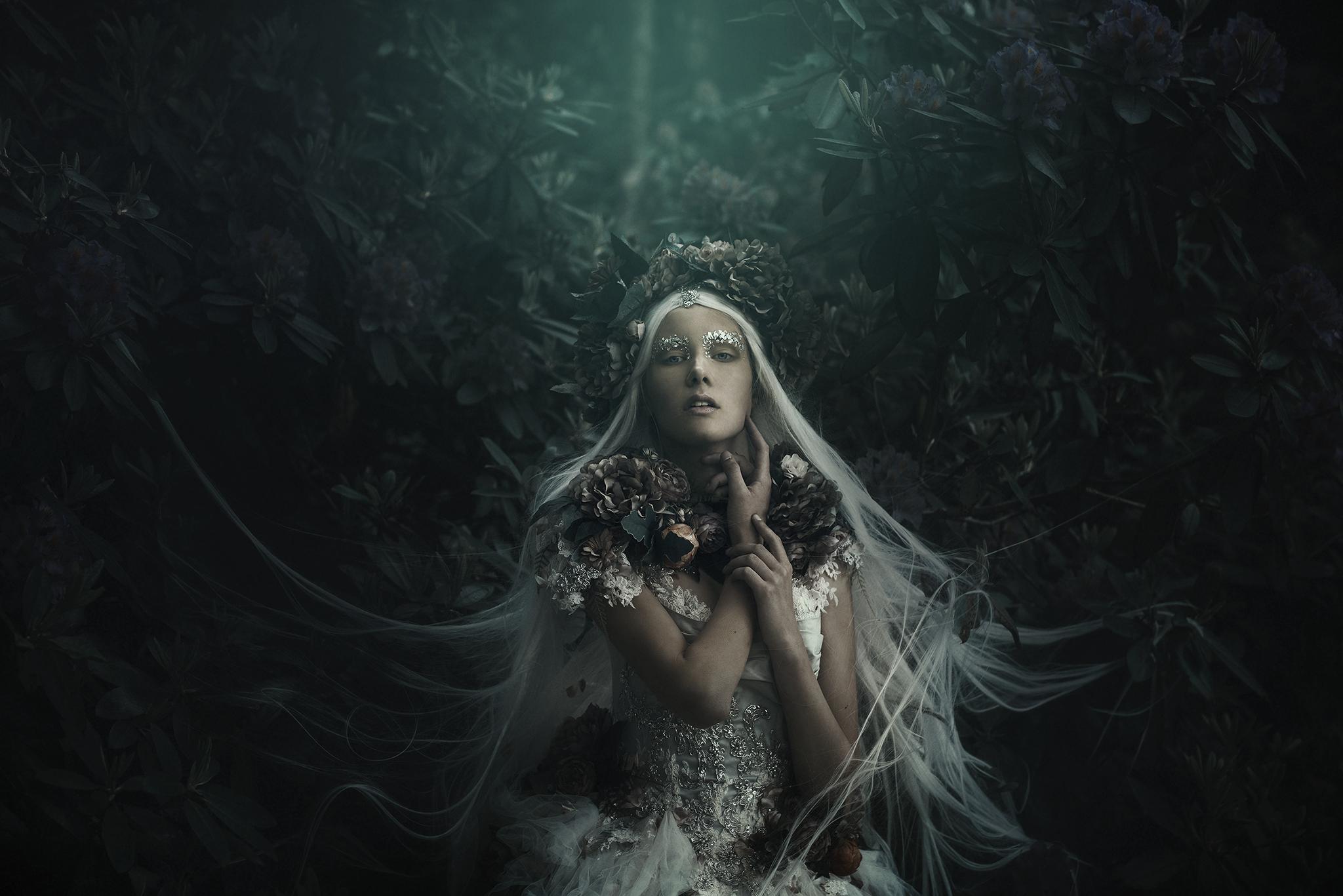 0468_mikaelaholmberg-fineart-morkcollective-mirjamlehtonen-costumeart-fairytale.jpg