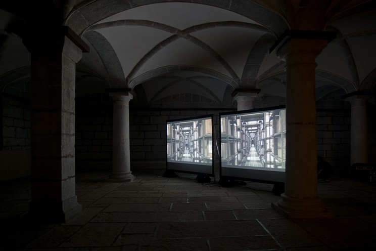 The Possibility Of An Escape    Video installation composed of 100 random takes, full HD double screening, no time set,  2012